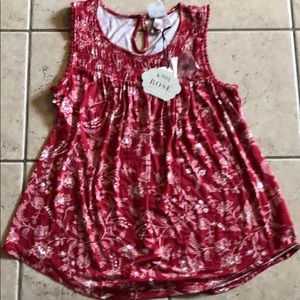 NWT Knox Rose red top